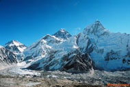 This amazing photo of mount Everest was taken from Kalapathar